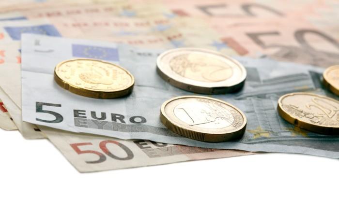 15077518 - euro money